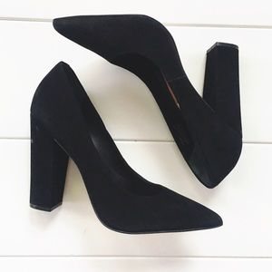 Steve Madden Black Pointy Toe Heel Size 9M